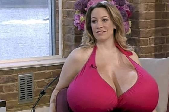 Фото великі груди жінок фото 12-769